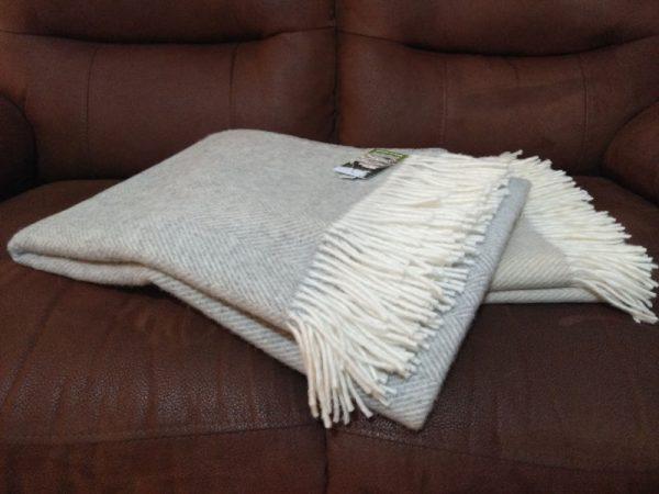 cream-and-grey-mix-classic-herringbone-merino-wool-throw-glen-river-knitwear